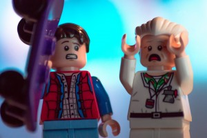 Marty McFly and Doc Brown in lego form discovering the awesome future of cssnext!